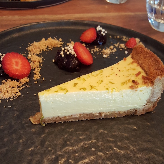 Kuoco 360 Food (lemon pie)
