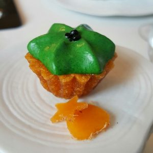 El Club Allard (Cupcake de huevo de codorniz)