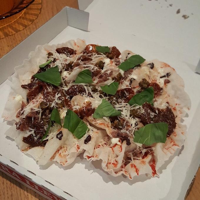Mercatbar (Pizza fria a la putanesca)