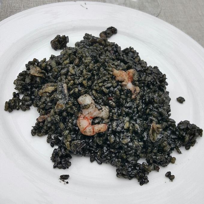Arroz Catalina (Arroz negro emplatado)