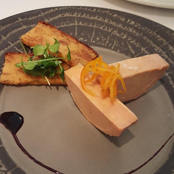 Goizeko-Kabi (Micuit de foie de pato casero con pan de higos)