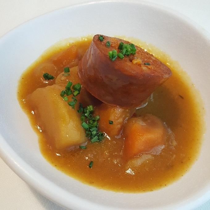 Marcano ( Guiso de zanahoria y patata con chorizo frito)