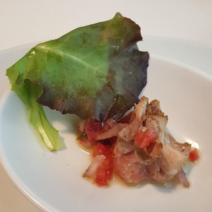 Marcano (Roast beef con pesto y pico de gallo)