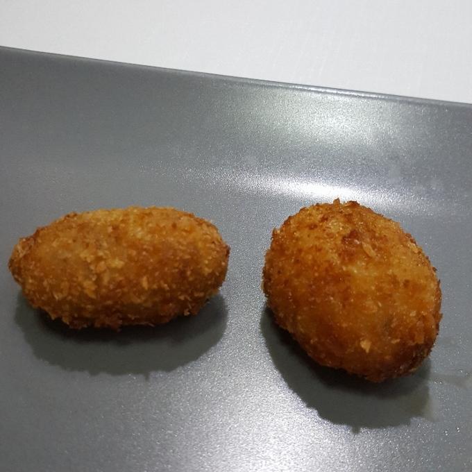 Treze (Croquetas de jamón y cocido de caza)