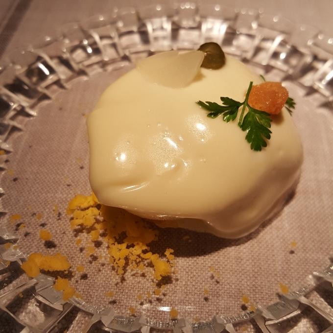 La Bien Aparecida (Huevos rellenos de tomate y bonito)