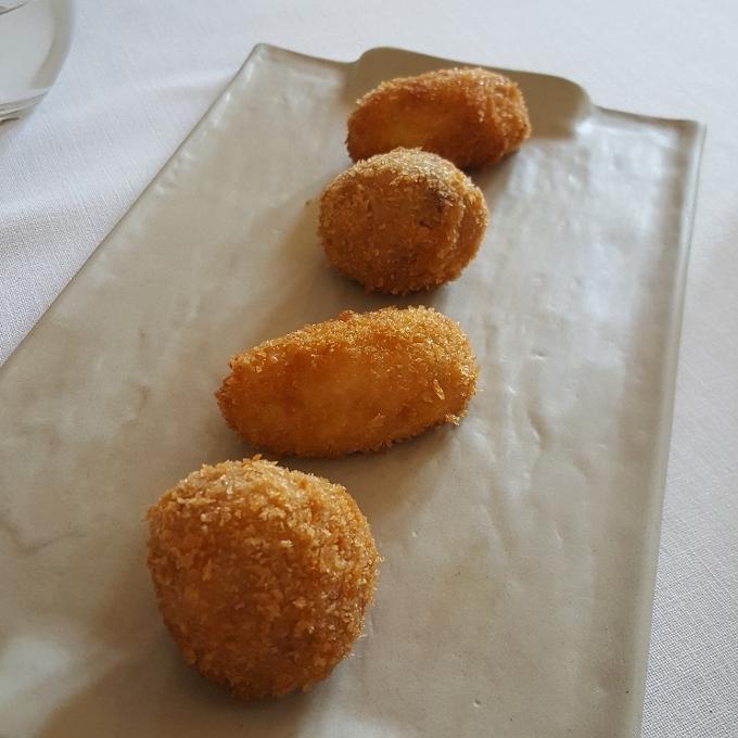 Casa Elena (Croquetas de jamón y boletus con queso)