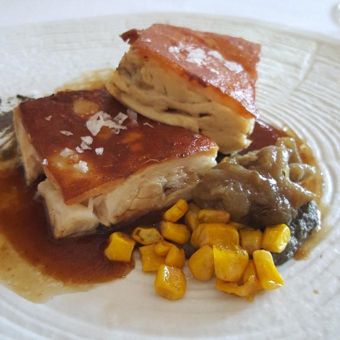 Casa Elena (Terrina de cochinillo lechal, jugo de sus huesos, maíz y crema de berenjenas)
