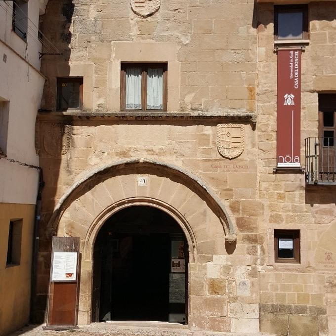Nöla (Entrada a La Casa del Doncel)
