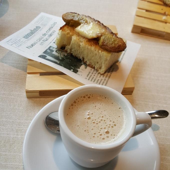 La Lobita (Desayuno en el bar)