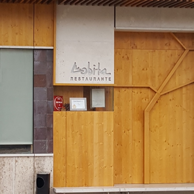La Lobita (Entrada al local)