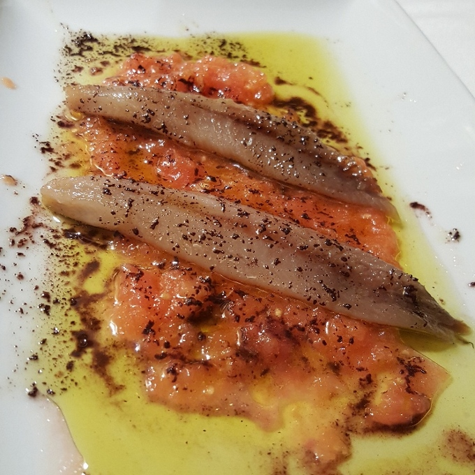 Los Faroles de Minaya (Lomos de sardina sobre tomate natural)
