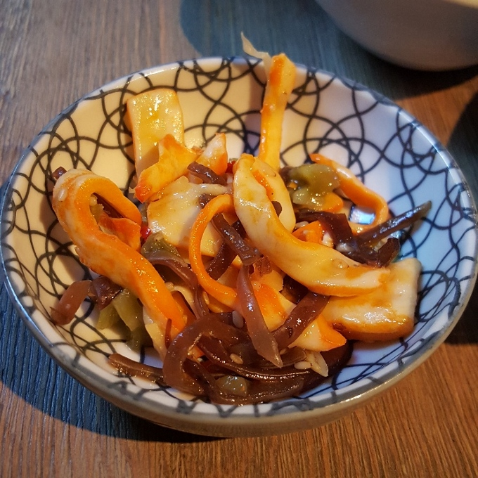 Kirikata (Ensalada de calamar, algas y jengibre)Kirikata (Ensalada de calamar, algas y jengibre)