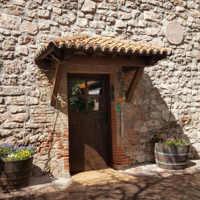 El Molino de Alcuneza (Acceso al hotel-Restaurante)