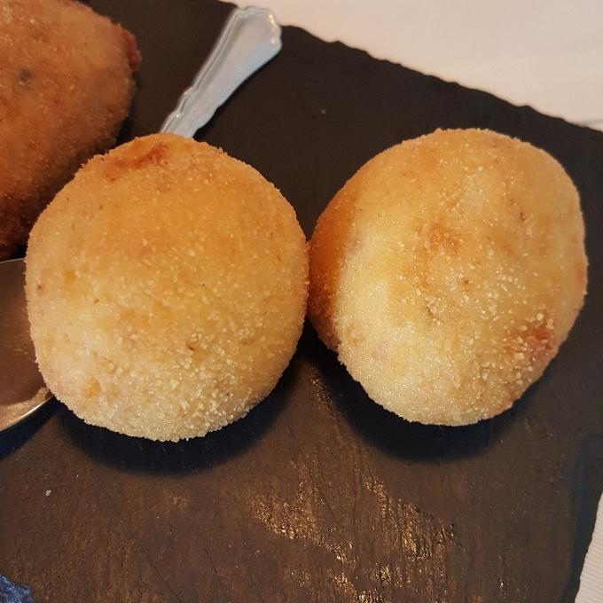 Taberna Pedraza (Croquetas de merluza)