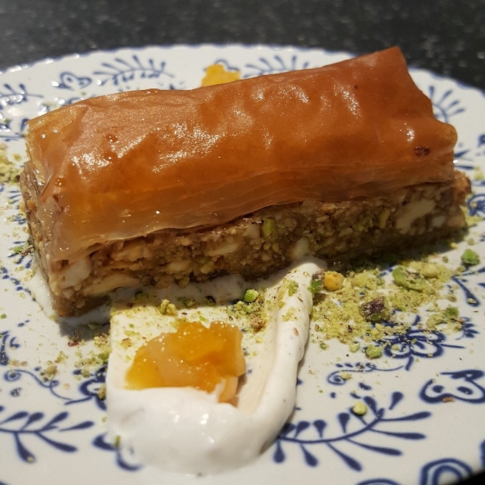 Fayer (Baklawa de almendra, pistachos y nueces)