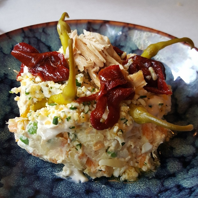 La Guisandera de Piñera (Ensaladilla con arbeyos y piparras)