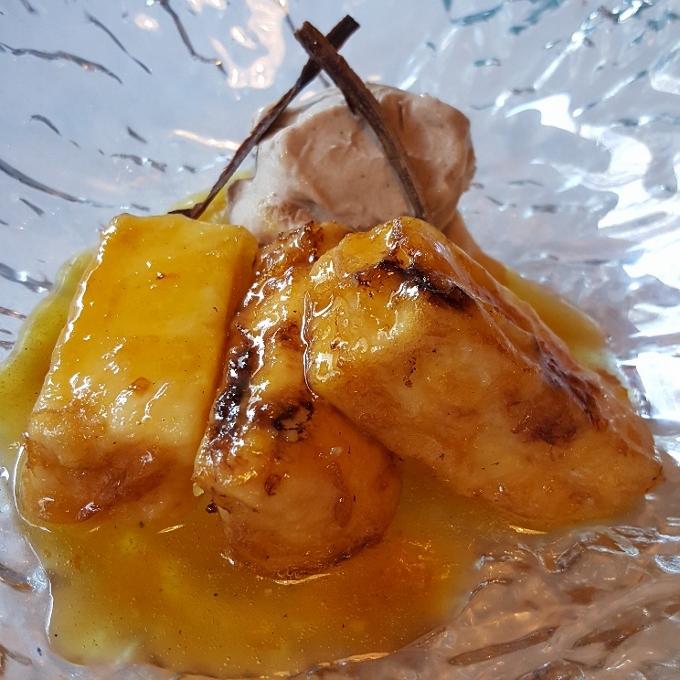 La Guisandera de Piñera (Leche frita a la naranja con helado de canela)